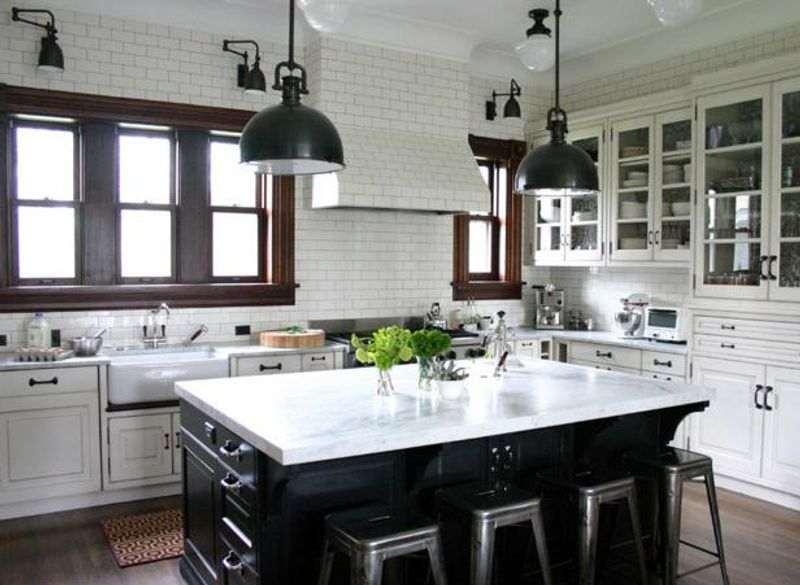 گاز رومیزی سفید در دکوراسیون آشپزخانه