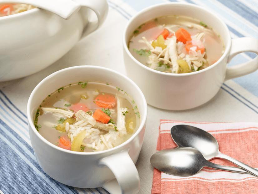 طرز تهیه سوپ مرغ کرونایی