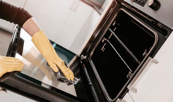 چگونه داخل فر را تمیز کنیم